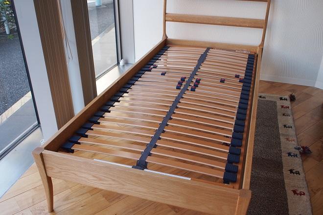 無垢材ベッドフレーム「OLIVE」にウッドスプリング