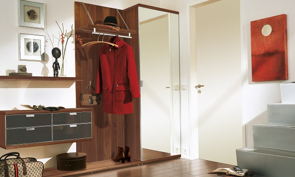 no.1 ヒュルスタ ウォールナットの洋服掛け TAMETA-hallway